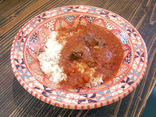 インド風ラクダのトマトカレー